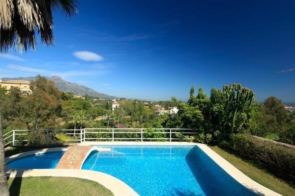 Sold: 5 Bedroom, 5 Bathroom Villa in La Quinta, Nueva Andalucia