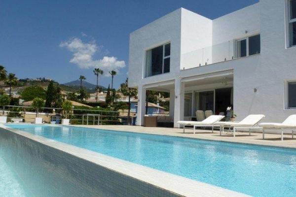 Sold: 4 Bedroom, 3 Bathroom Villa in La Quinta Golf, Nueva Andalucia