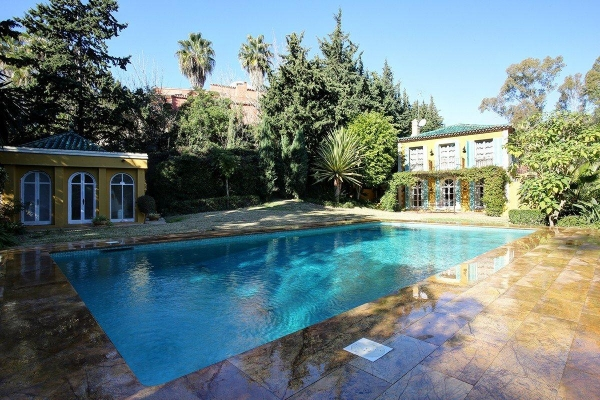 Sold: 8 Bedroom, 9 Bathroom Villa in La Quinta, Benahavis