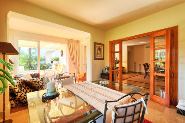3 Bedroom, 3 Bathroom Apartment For Sale in Lomas de la Quinta, Benahavis