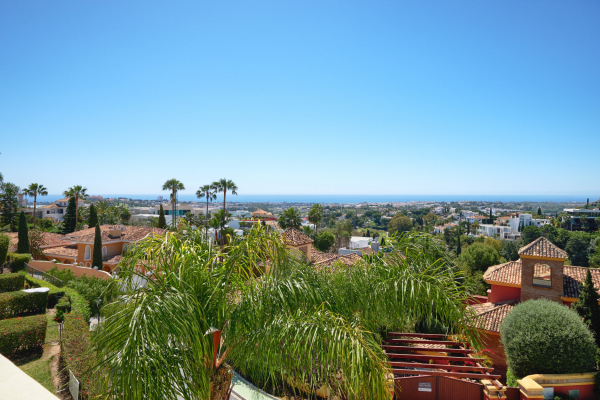 3 Bedroom, 2 Bathroom Villa For Sale in La Quinta Hills, Nueva Andalucia