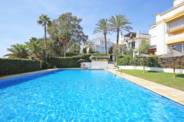 8 Bedroom, 6 Bathroom Villa For Sale in Marbellamar, Marbella Golden Mile