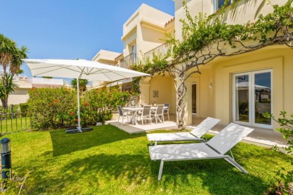 3 Bedroom, 3 Bathroom Villa For Sale in La Quinta, Benahavis