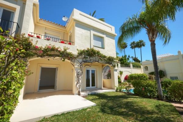 3 Bedroom, 2 Bathroom Villa For Sale in La Quinta, Nueva Andalucia